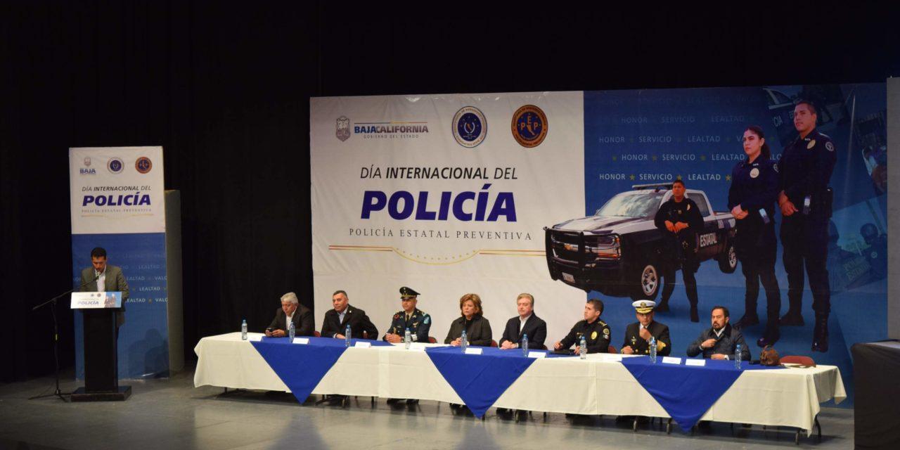 Encabeza Gobernador ceremonia conmemorativa del Día Internacional del Policía