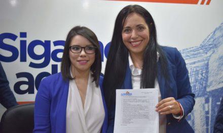 """""""Mayola"""" Gaona se registra como pre candidata del PAN al Distrito I"""
