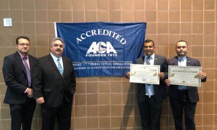 Ceresos de Mexicali y Ensenada reciben acreditación internacional