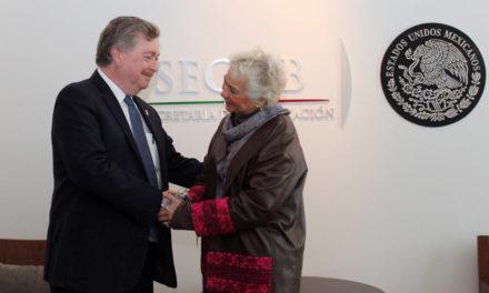 Se reúne Gobernador de BC con Secretaria de Gobernación