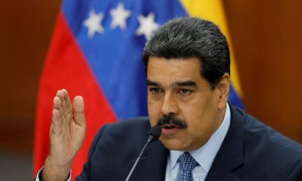 Maduro rompe relaciones con EUA y expulsa a diplomáticos