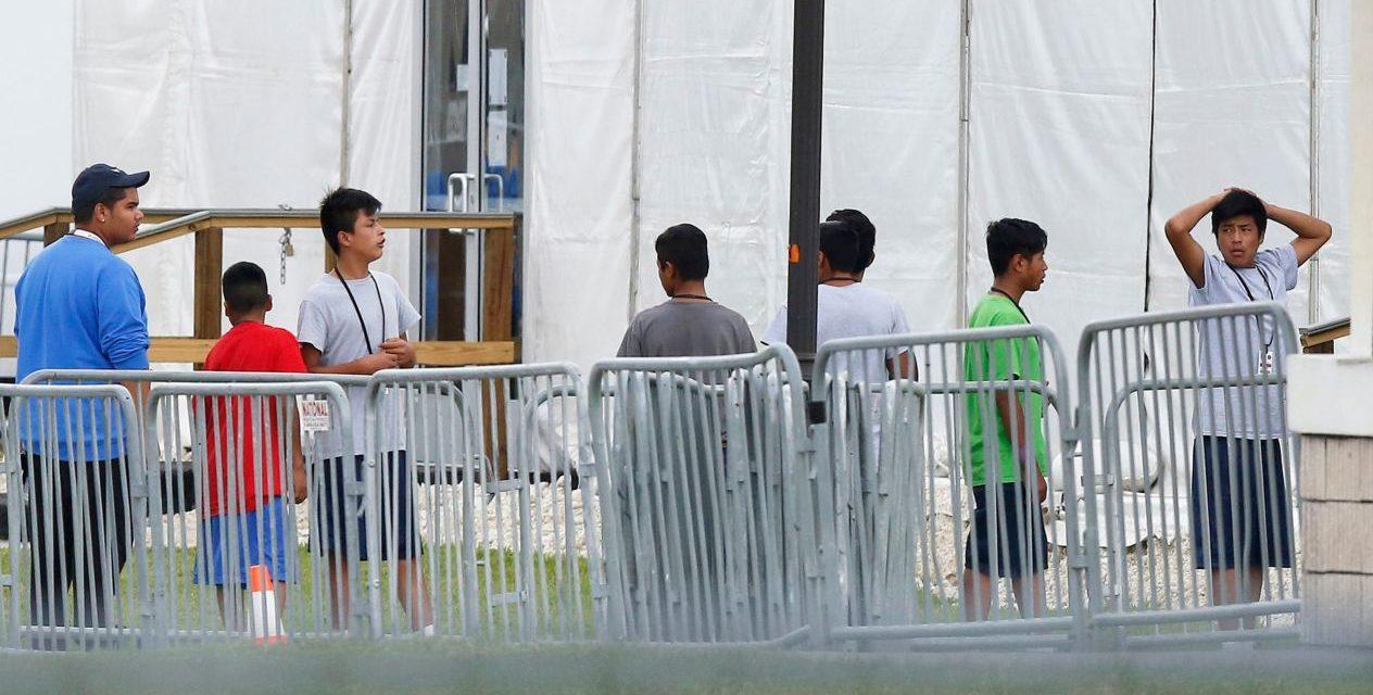 EU niega solicitudes de residencia a jóvenes migrantes