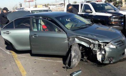 Arrestan a sujeto buscando en EU tras persecución sobre carretera a San Luis