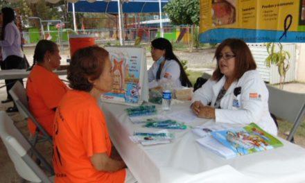 Reconoce Sector Salud a odontólogos en su día