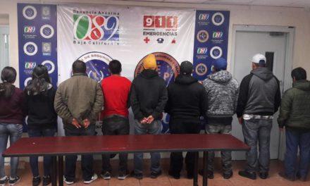 Libera PEP a 9 migrantes secuestrados; detiene a 2 sujetos