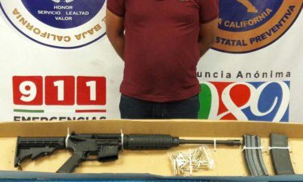 Arresta PEP a dos sujetos en posesión de armas de grueso calibre