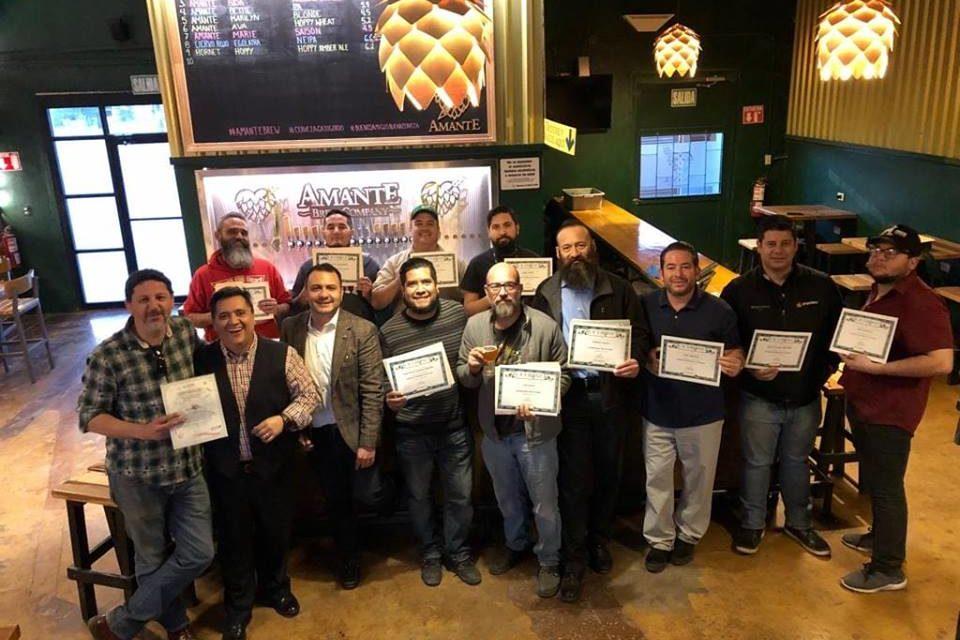 Forma SEDECO a profesionales de la cerveza artesanal en BC