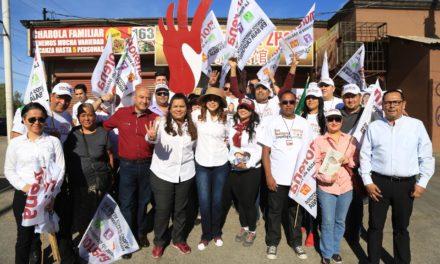 Firma Marina del Pilar compromisos con habitantes de San Felipe