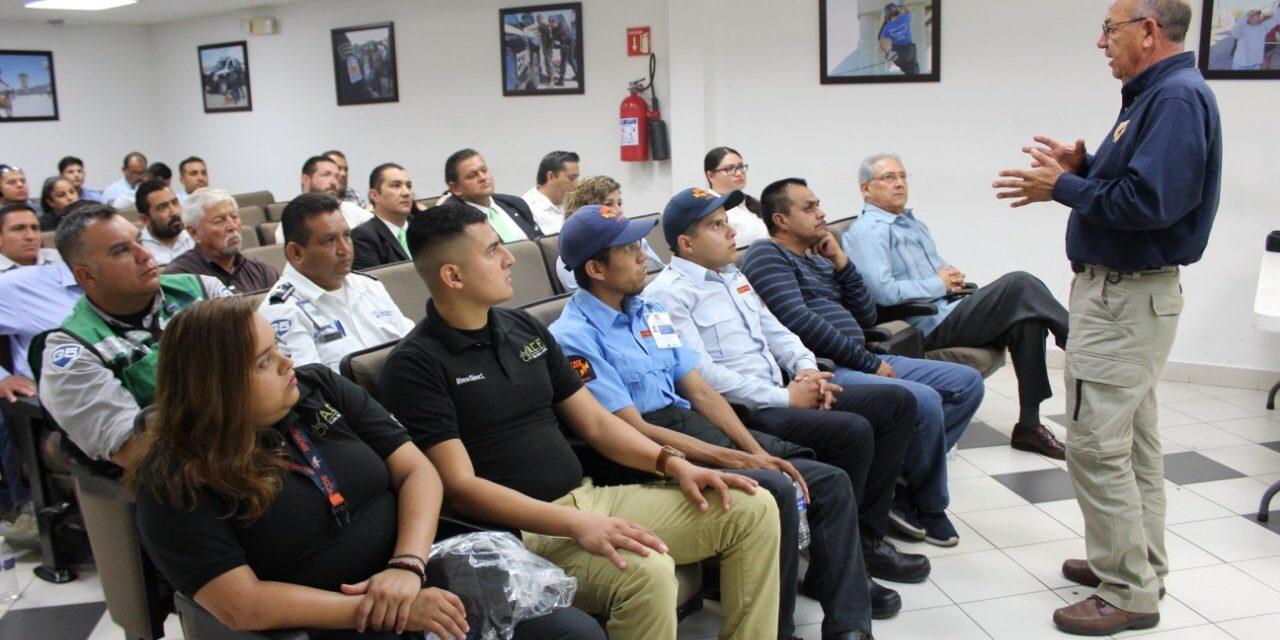 Capacitan a guardias de seguridad en temas de protección civil