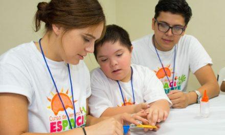 """Invitan a jóvenes a ser voluntarios en el Curso de Verano """"Espacio Diferente"""""""