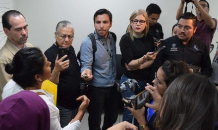 Reclaman familiares y pacientes falta de medicamentos en la UNEME