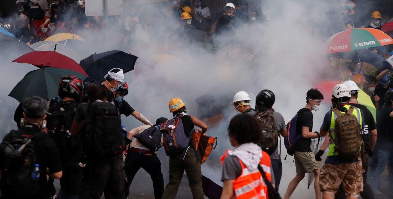 Disturbios sacuden a Hong Kong por la ley de extradición