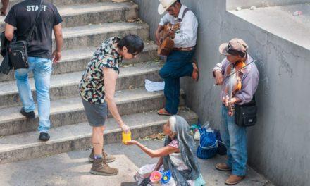Salen de la pobreza 900 mil mexicanos en sexenio de Peña, según datos del Coneval