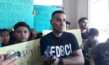 Denuncian que exregidor intenta despojar de áreas verdes a residentes de la 18 de Marzo
