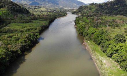 Indígenas estorban en 'desarrollo' del Amazonas: Bolsonaro