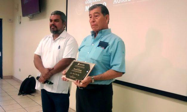 Después de 45 años, el Ing. Hilario Pérez Vega se retira de la jefatura del Distrito de Desarrollo Rural 002