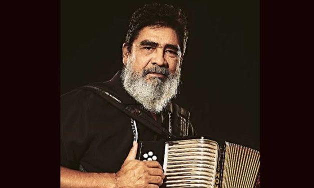 """Muere Celso Piña """"el rebelde del acordeón"""" a los 66 años"""