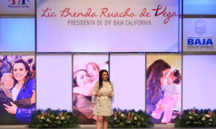 Presidenta de DIF Estatal rinde su Sexto Informe de Actividades