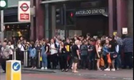 Desalojan estación del Metro de Londres por explosiones