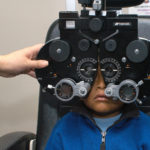 Recomienda IMSS llevar a niños al oftalmólogo antes de regresar a clases