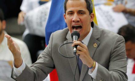 Denuncia Guaidó que Maduro planea 'disolver el Parlamento'