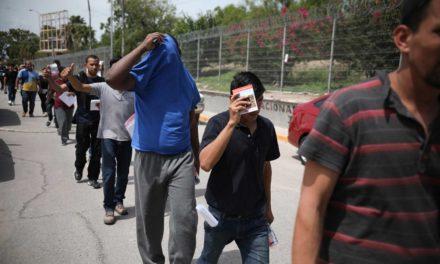 Trump pone en peligro a migrantes que reciben ayudas sociales