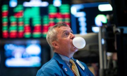 Recorte de tasas de la Fed dispara al dólar y hunde al euro y a la libra
