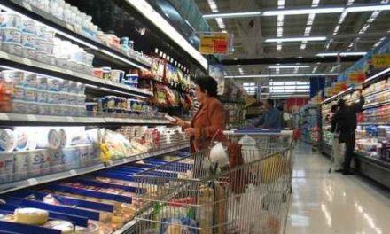 Tiendas y supermercados subieron 5.4% sus ventas en julio: Antad