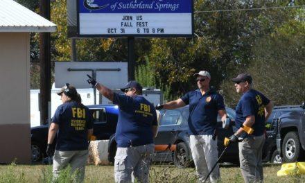 Hombre mata a dos personas y toma rehén en Arkansas