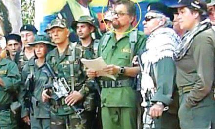 FARC retoma armas; cimbra pacto de paz