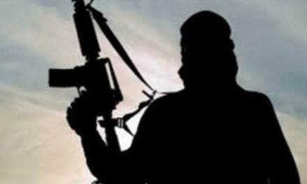 Detienen a niño de 13 años acusado de matar a 6 soldados