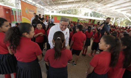 Entrega Alcalde obras de infraestructura en el Valle de Mexicali
