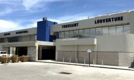 Incendio provoca cierra del principal aeropuerto de Haití