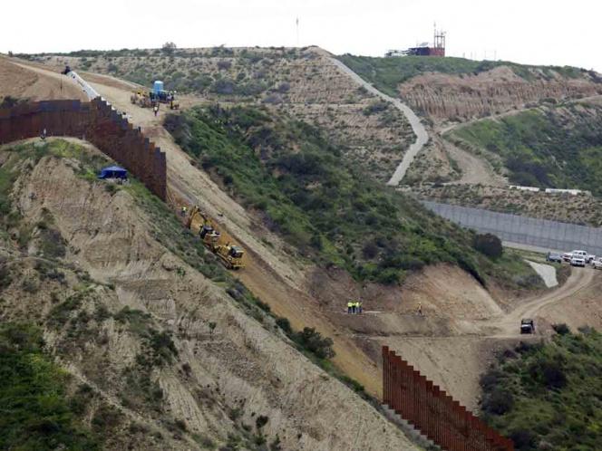 Inicia construcción de sección del muro fronterizo en Arizona