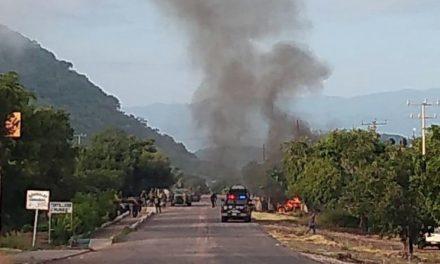 Emboscan a policías de Michoacán; 14 muertos