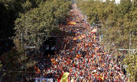 Marchan miles en Barcelona a favor de la unidad de España