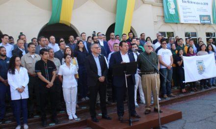 Rector acusa a gobernador de incumplir y convoca a marcha contra adeudo