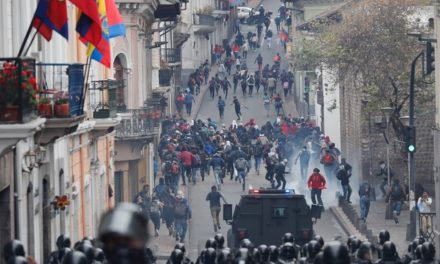 """""""Estado de excepción"""" en Ecuador por protestas contra alza de combustibles"""