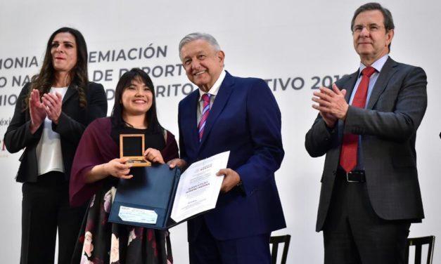 Alexa Moreno recibe el Premio Nacional del Deporte