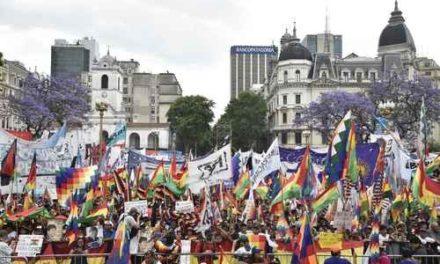 """""""En nombre de Dios nos balean y masacran en Bolivia"""""""