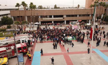 Evacúan Palacio Municipal en 4 minutos durante simulacro