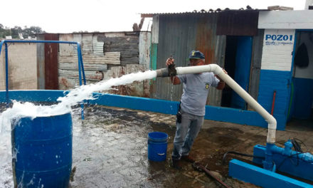 Diputados de Morena propondrán abrir distribución de agua a la Iniciativa Privada