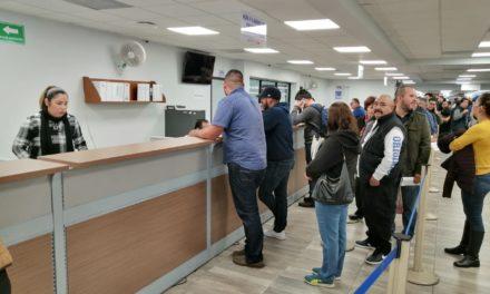 Regularizan entrega de placas fronterizas en oficinas de Recaudación de Rentas