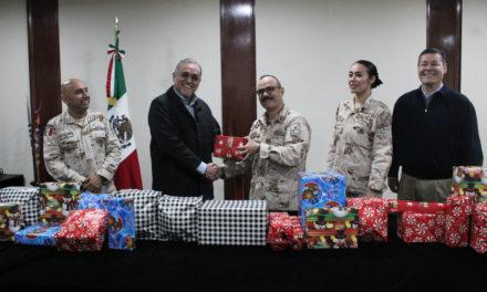 Fundación Index Mexicali dona juguetes a hijos de militares